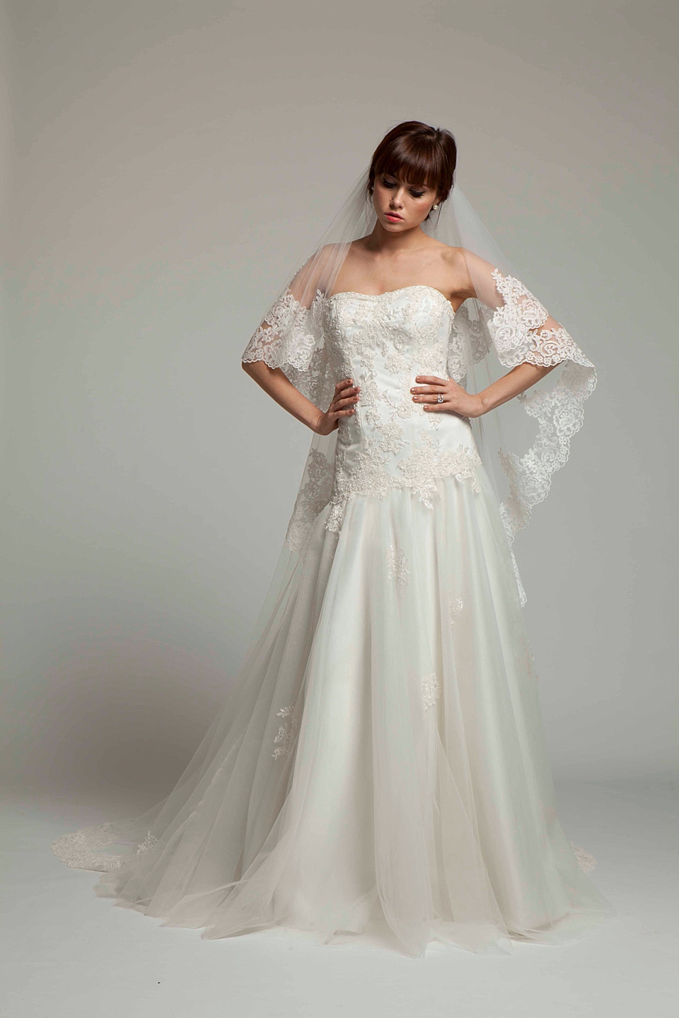 Melanie Potro:  Simply Stylish Gowns With Exquisite Details