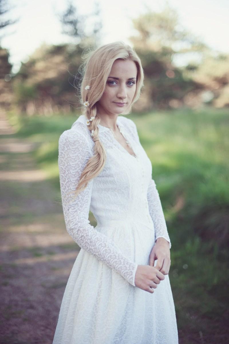 We buy second hand wedding dresses