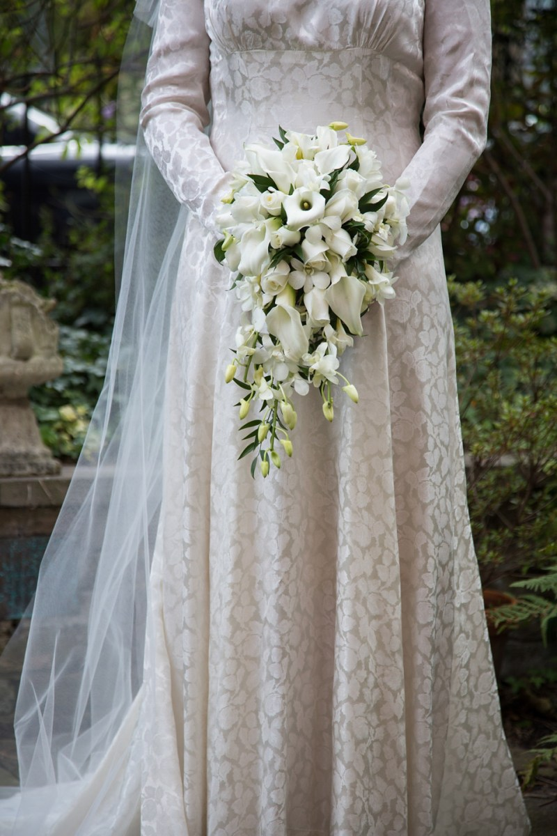 A 1940s Vintage Elizabeth Avey Long Sleeved Gown For A Traditional Jewish Wedding