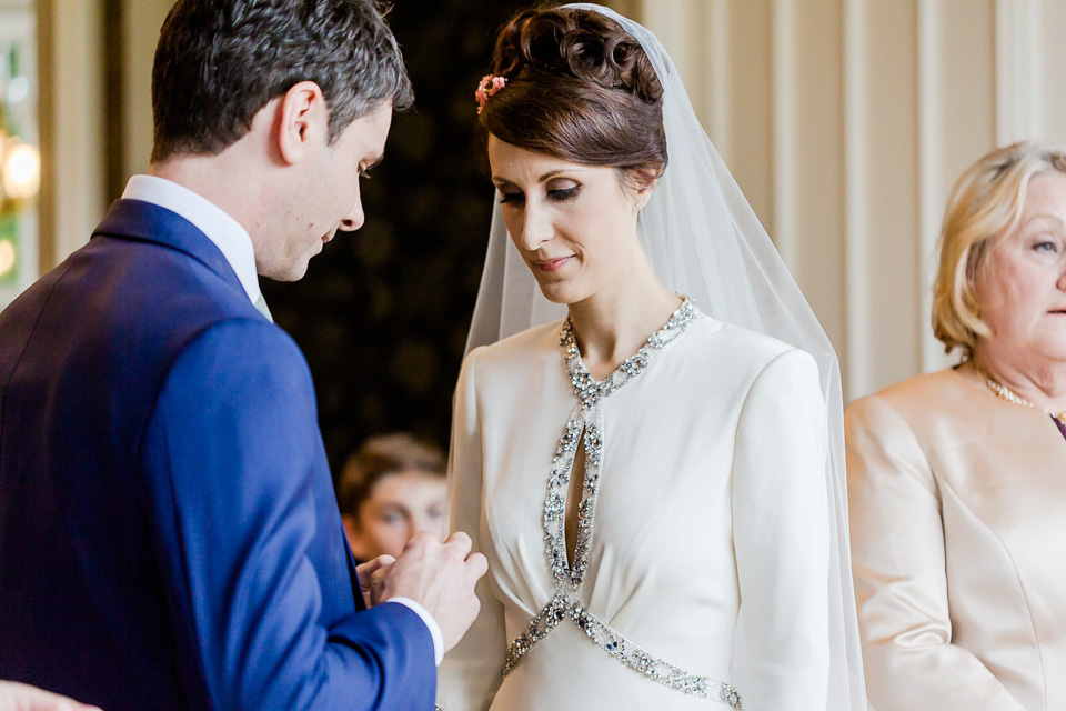 Jesus Peiro and Jenny Packham for an Ethereal and Elegant Autumn Wedding (Films Weddings )