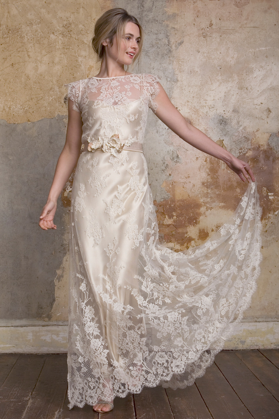 Sally Lacock – Exquisite and Romantic Vintage Style for the Modern Bride