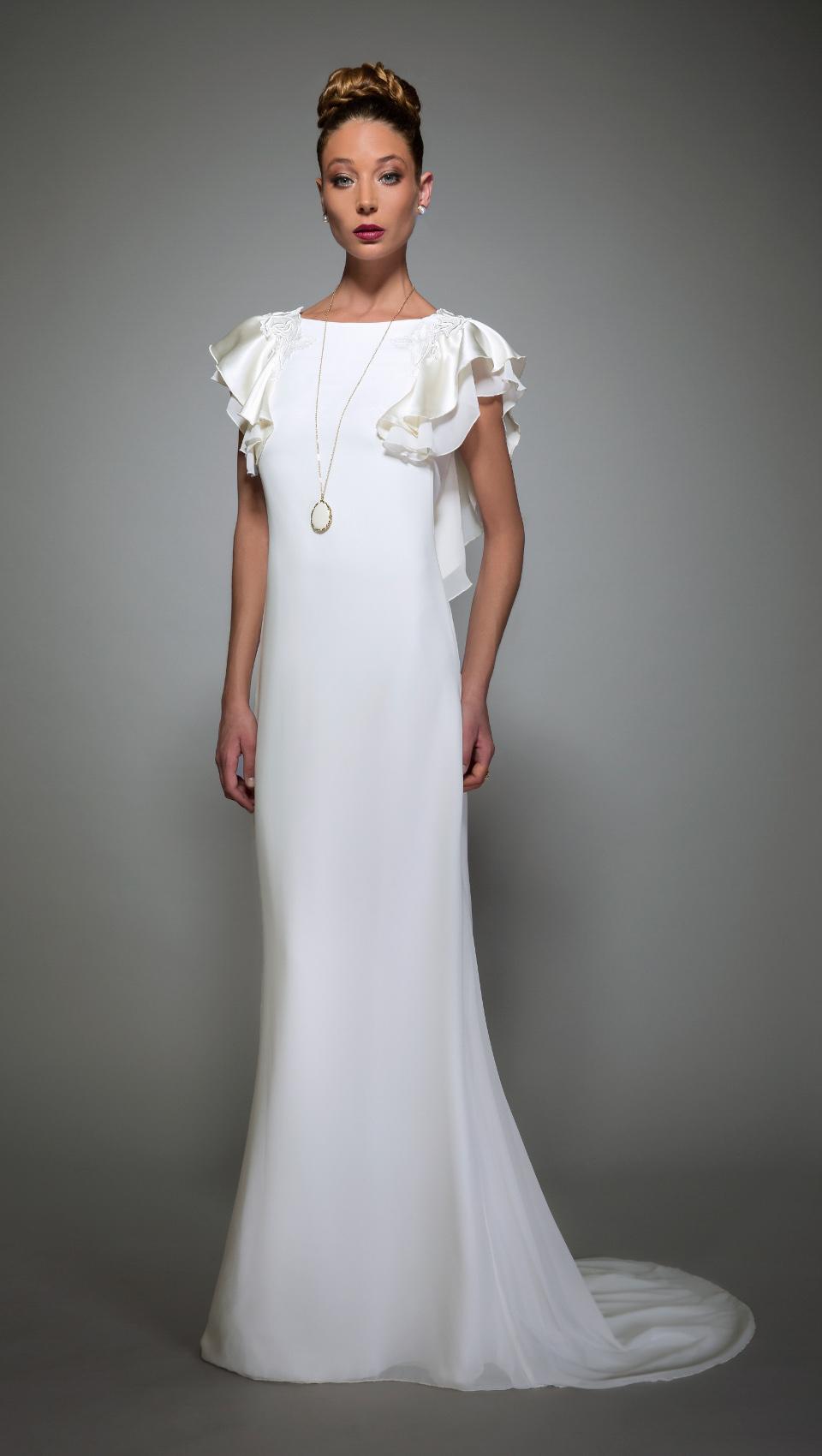 Daring Yet Feminine Wedding Dress Collection By Makany Marta foto