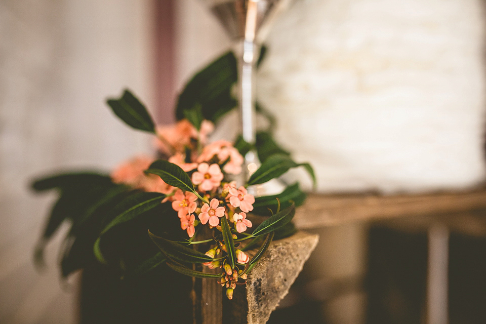 Floral Wedding Inspiration in Sumptuous Shades of Winter (Get Inspired Styled Shoots )