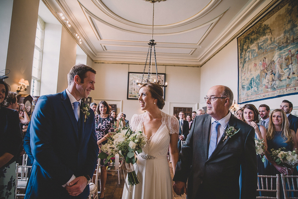 Jenny Packham Glamour and Maids in Blue for a Woodland Inspired Wedding (Films Weddings )