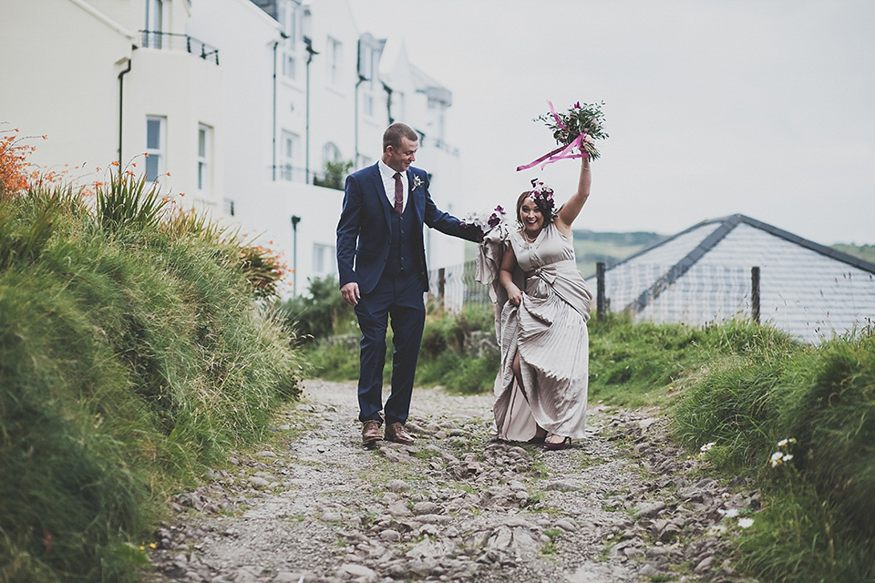 A Pleated Gown and Floral Veil for a Charming Coastal Wedding (Weddings )