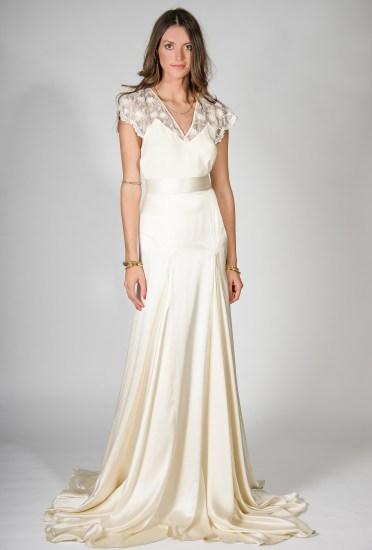 http://belleandbunty.co.uk/bridal-collection/#!mg_ld=3728