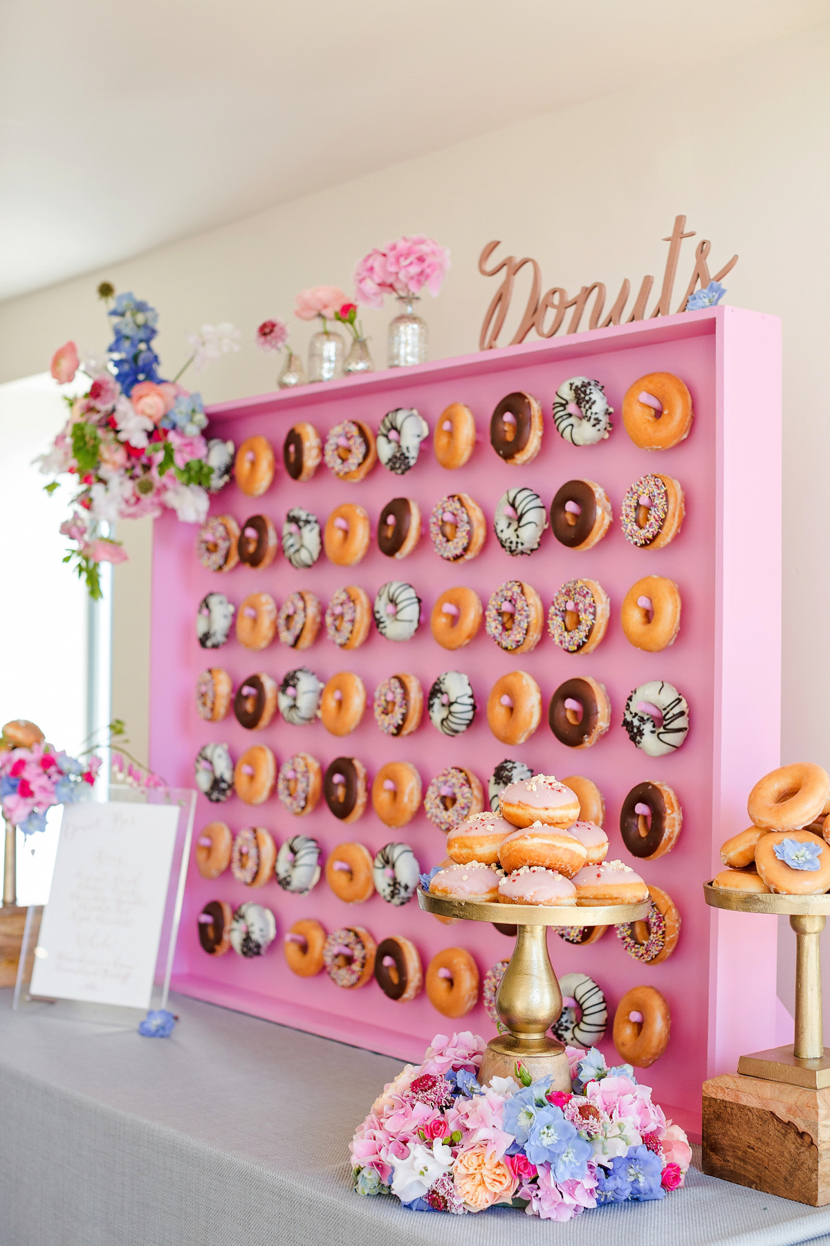 Kalm Kitchen 39 S Donut Wall Liquid Nitrogen Ice Cream Bar And Other Creative Catering Ideas