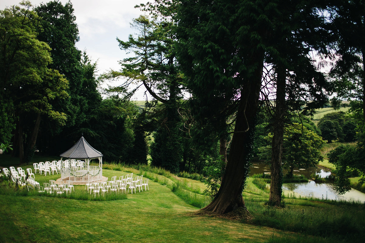 A Wild Woodland Inspired Devon Wedding For A Bohemian Bride In Green Lace (Weddings )