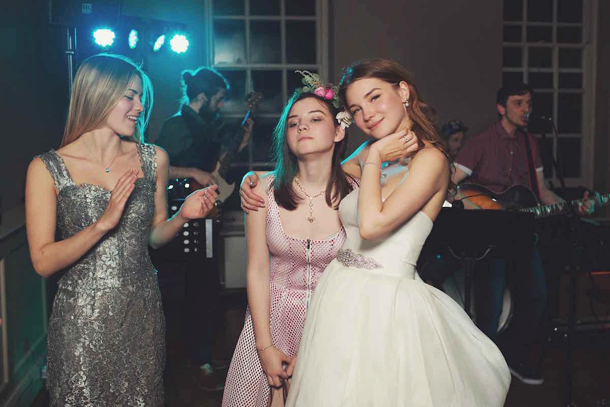 Jesus Peiro Elegance for a Feminine, Elegant and Romantic Country House Wedding in Autumn (Weddings )