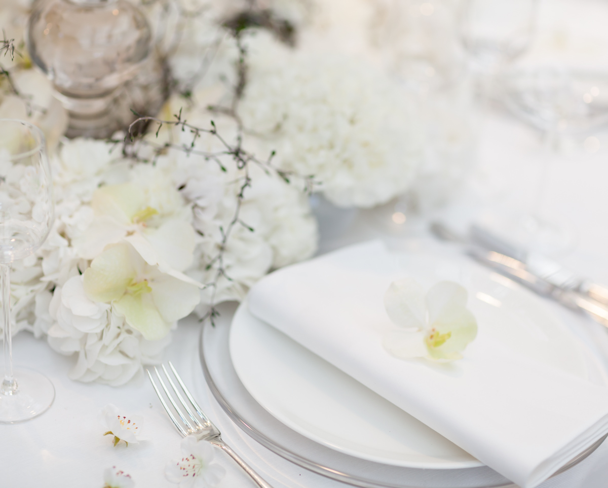 An All-White Floral Fairytale By Zita Elze - Award Winning Wedding ...