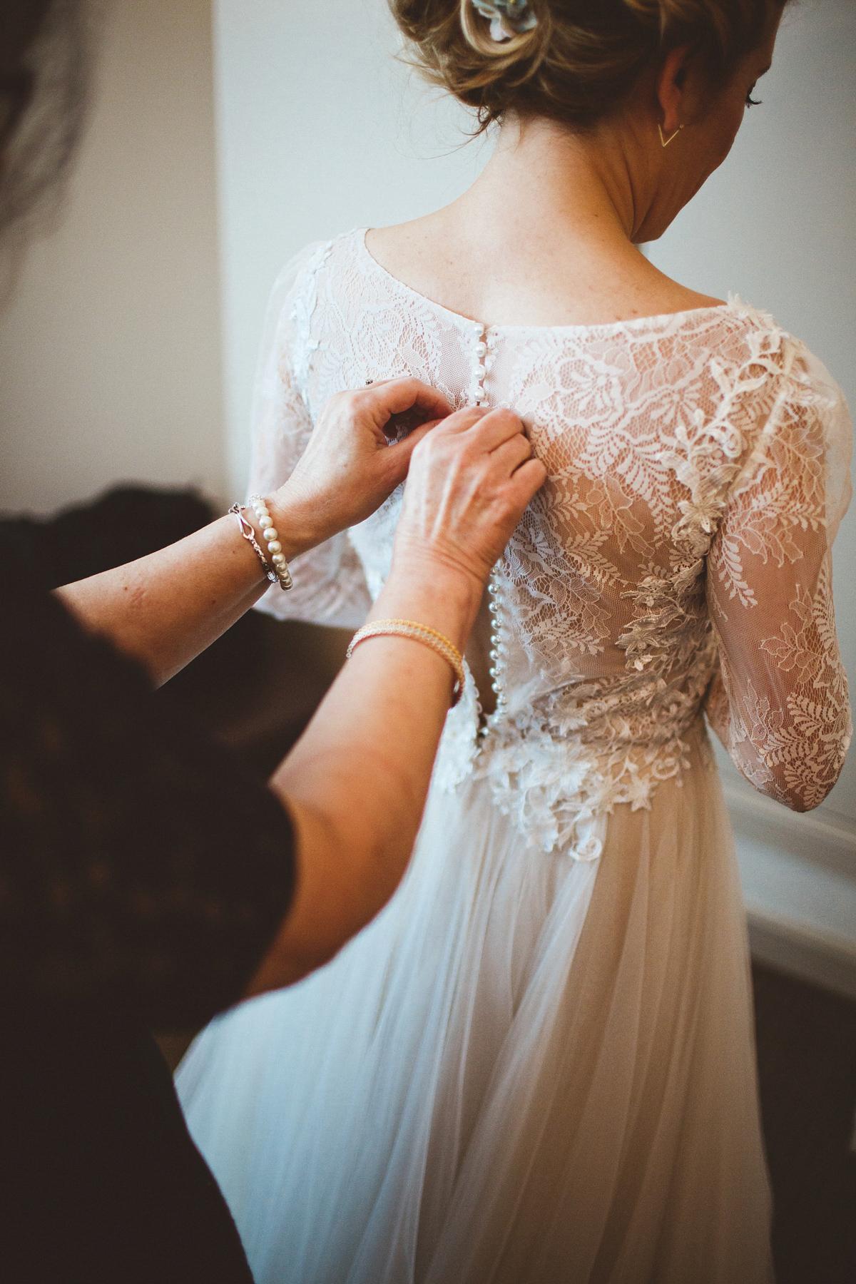 A BHLDN Dress and Velvet Flower Crown For an Industrial Inspired Winter Wedding (Weddings )