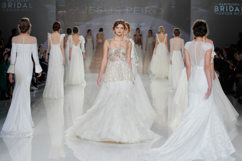 Metropolis by Jesus Peiro - The 2018 Bridalwear Collection (Bridal Fashion Fashion & Beauty Get Inspired )