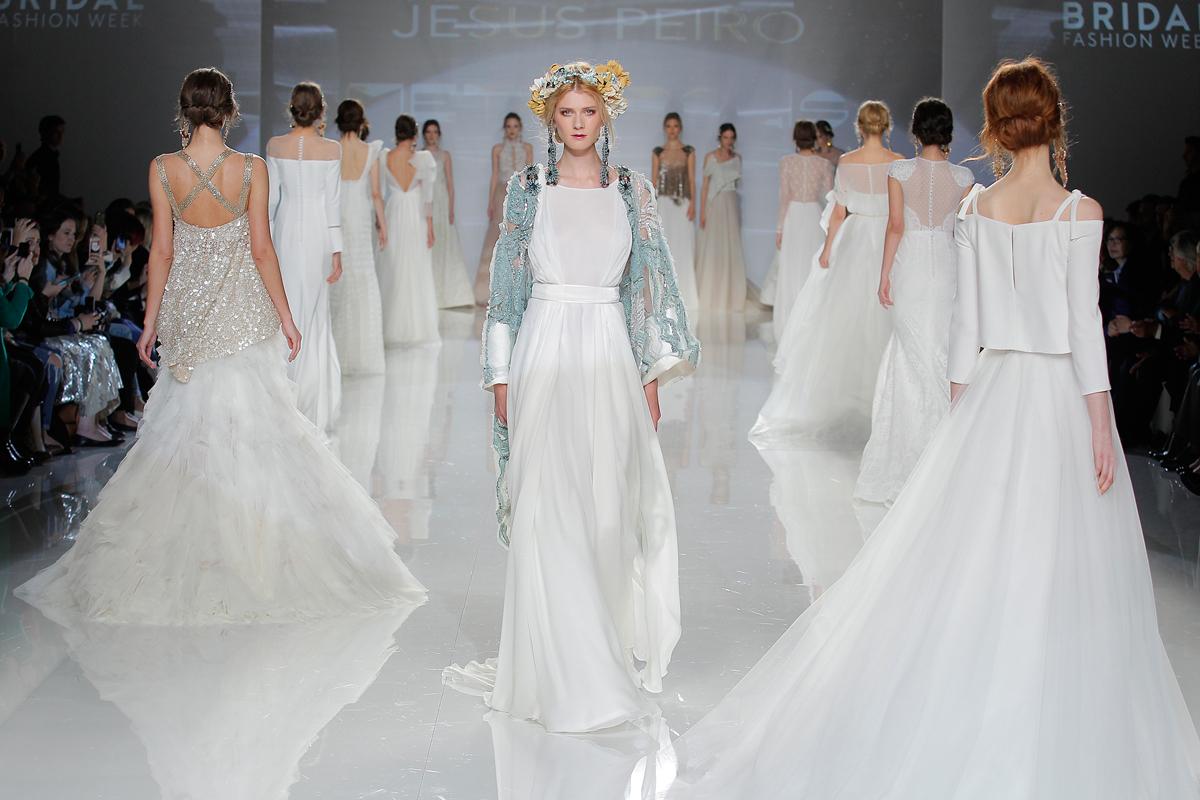 Metropolis by Jesus Peiro – The 2018 Bridalwear Collection