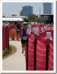 And here's Susan coming to the finish line... all smiles! A great day!!