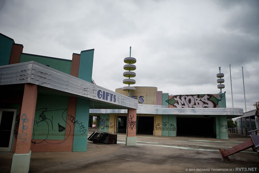 arcade area at Abandoned Six Flags 'Jazzland' Park, 2011