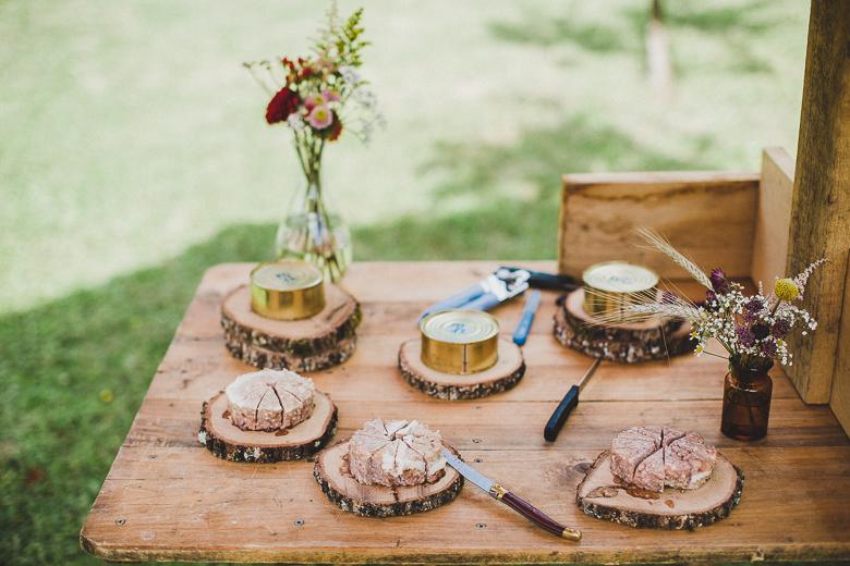 Love & Tralala Mariage champêtre en Dordogne - buffet de charcuteries et pâtés