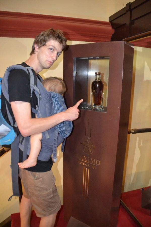 Uuuu carefull RUM, Love Travelling Family at Hotel Nacional