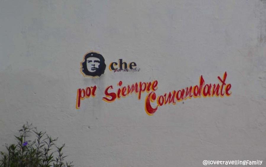 Che por siempre comandante mural in Santa Clara, Cuba
