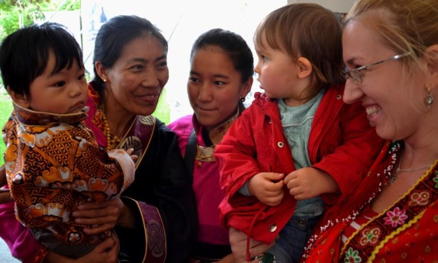 Love travelling family at 80th birthday of the Tibetan Buddhist teacher Garchen Rinpoche