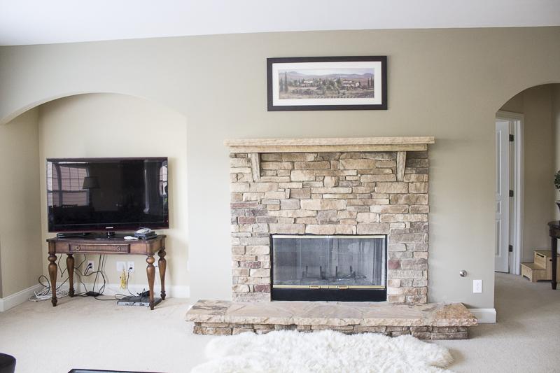 lindamantle-livingroom-before