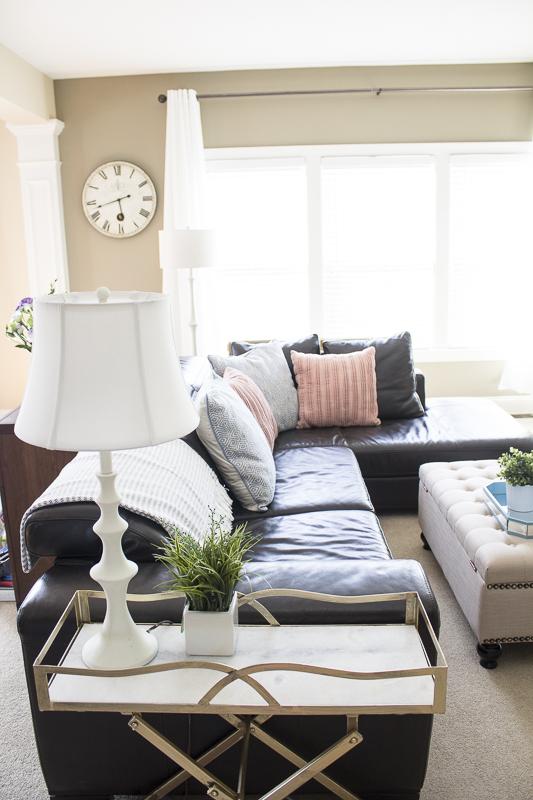 livingroom-reveal-barcart-gold-decor