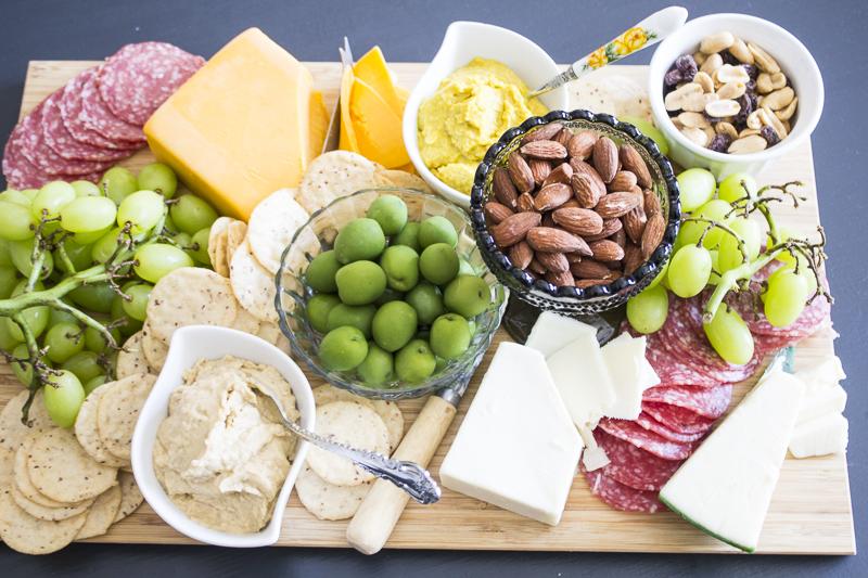 charcuterie-platter-appetizer-party-4