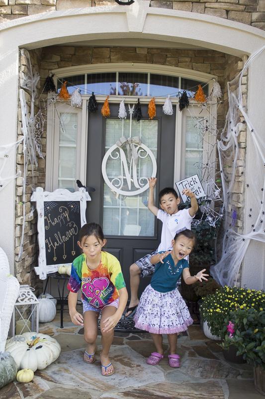 halloween-pumpkins-entrance-diy-loveyourabode-8