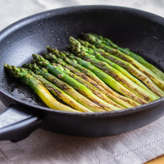 Smoky Asparagus, Done Asparagus on the Skillet | Low-Carb, So Simple!