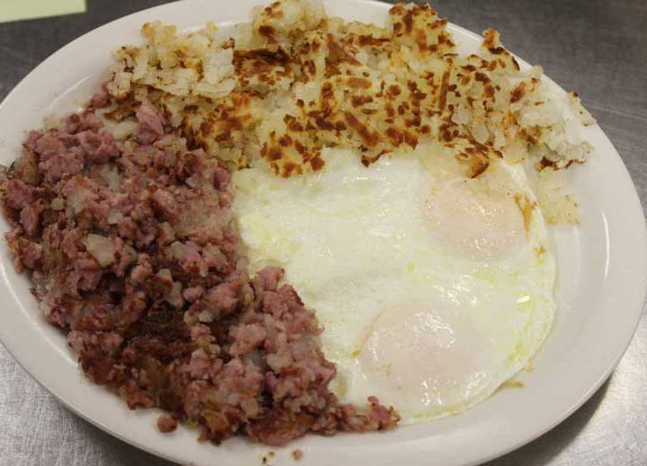 Corned-Beef-Hash-and-Eggs