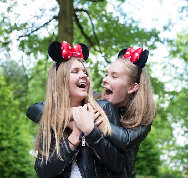 Noora & Katja chez Mickey-42