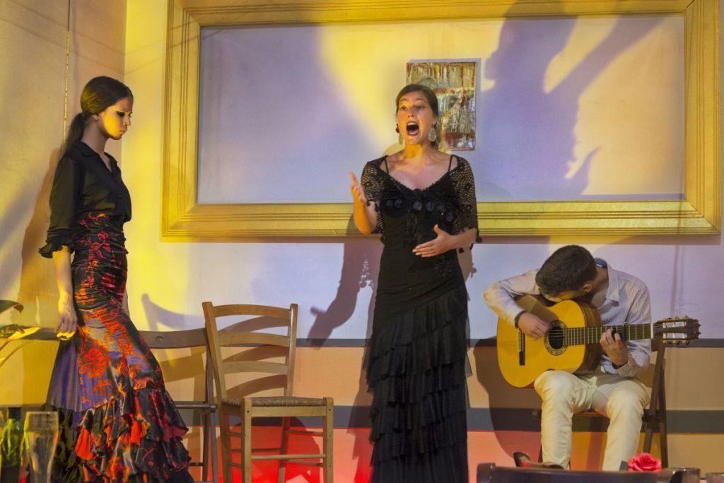 Luna Zegers on stage in Barcelona