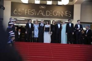 Giuria Cannes 2012 il terzo da sinistra è Jean - Paul Gaultier