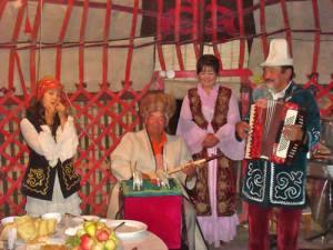 Festa tradizionale in una yurta