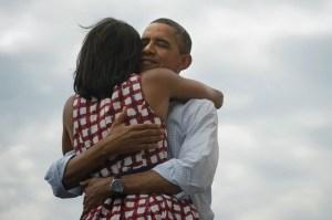 Obama rieletto, la foto più clickata nella rete