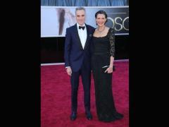 Daniel Day Lewis con la moglie Rebecca Miller, entrambi in Dolce & Gabbana