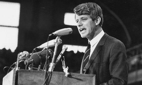 """Bob Kennedy, Università del Kansas, 18-3-1968: """"Il PNL misura tutto, tranne quello per cui vale la pena vivere"""""""