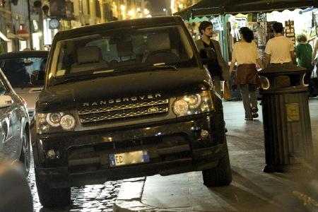 C'ho il SUV, sono grosso e parcheggio dove mi pare.