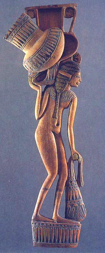 Cucchiaio da cosmetico, Museo del Louvre, Parigi