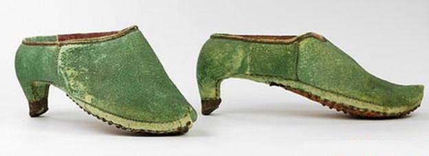 Scarpe persiane da equitazione, XVII secolo, Bata shoe museum