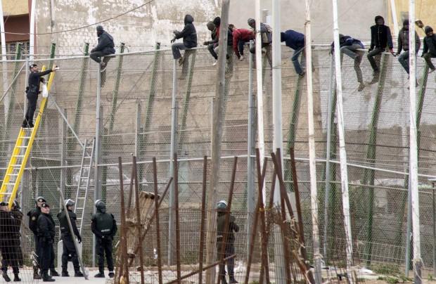 Ci attende un futuro fatto di muri e barriere? È assai probabile