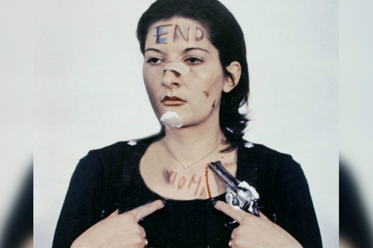 Marina-Abramovic-Rhythm-0-Image-for-InUth-8