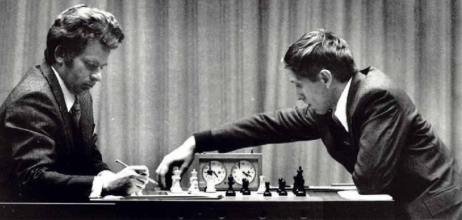 Spassky e Fischer durante il campionato del mondo di scacchi del 1972