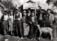 la famiglia Joad prima di lasciare la propria terra