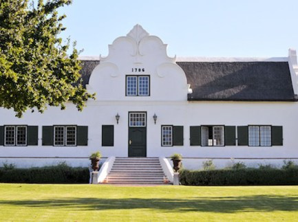 Webersburg-Serene-Escape-in-Luxuriant-Winelands