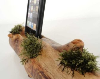 vallis-wood-ipad-ipod-dock-2
