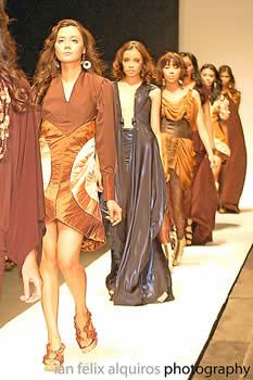 Philippine Fashion Week 2009 - Santi Obcena