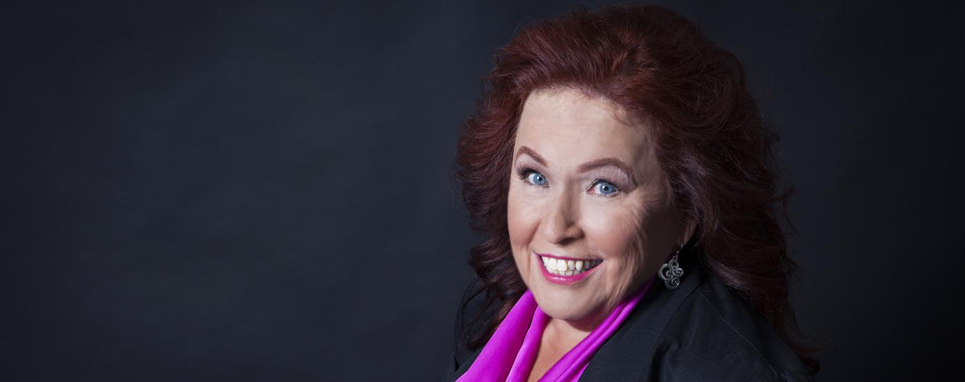Writer & Thriller author Lynn F. Casella