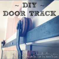 DIY door track hardware. It's d'bomb dot com.