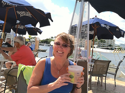 Karen enjoyed a discounted rum punch refill in her Cruzon bucket from our last visit.