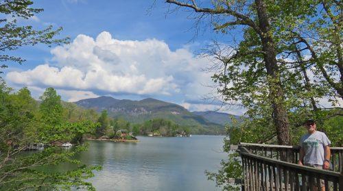 LAKE LUREs US TO CHIMNEY ROCK